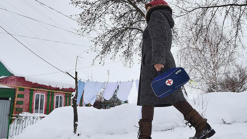 В Мордовии, похоже, нашли выход из нехватки медучреждений и врачей в сельских районах. Теперь жители сел будут лечить друг друга сами