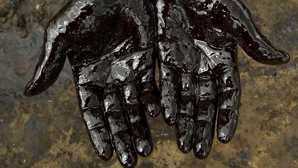 Кто-то углеводороды добывает, а кто-то их крадет