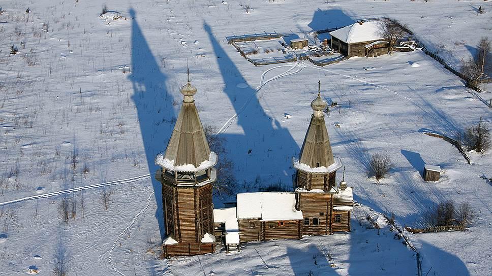 Так выглядела Варваринская церковь 1656 года постройки в деревне Яндомозеро до реставрации