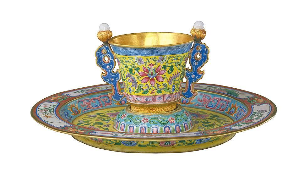 Чашка и блюдце. Эпоха Цин (1644–1911), правление Цяньлун (1736–1796)