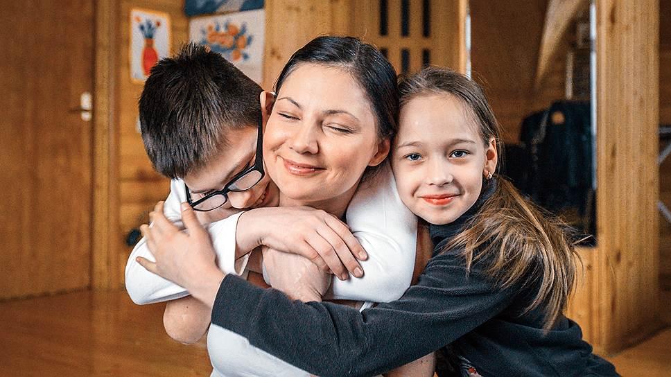 Алена постаралась, чтобы дети не замечали, что с мамой что-то не так