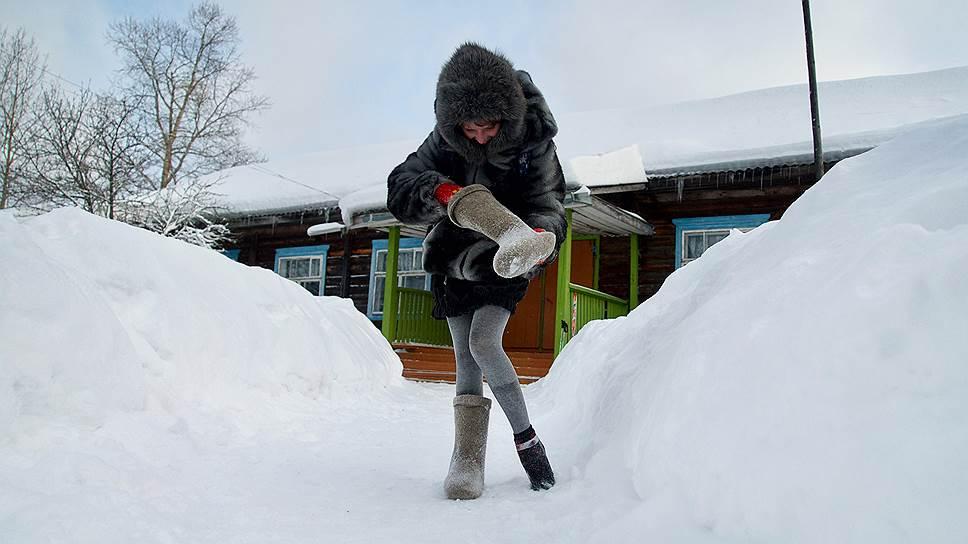 Снег даже в валенке — вот это поиграли в снежки!