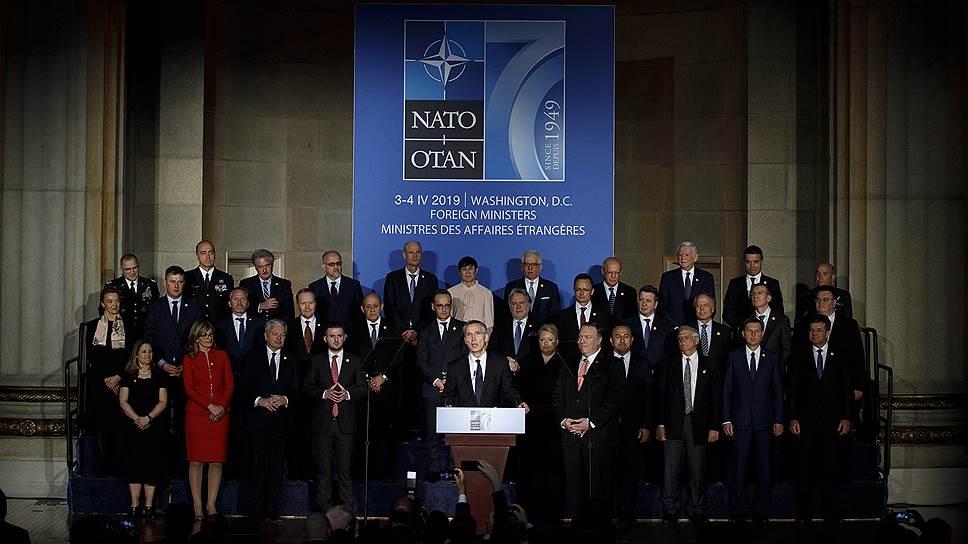 Федор Лукьянов о НАТО как сообществе имитаторов