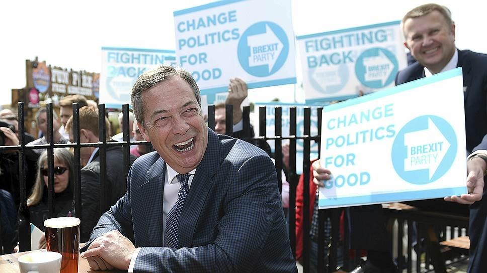 Успех Партии «Брексита» во главе с популистом Найджелом Фараджем здорово напугал «системные» партии