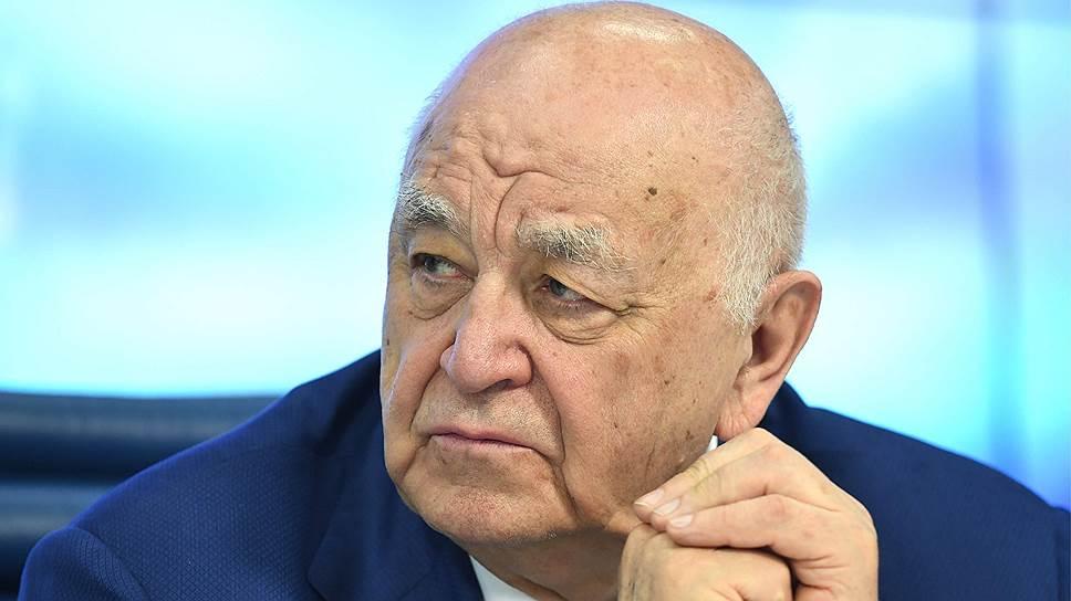 Александр Апазов, президент АО «Фармимэкс», президент НФП