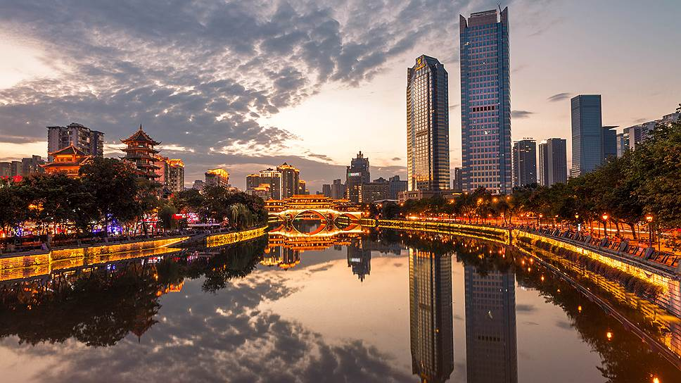 Чэнду — пятый по размерам город Китая. Точнее, так: пока что пятый…