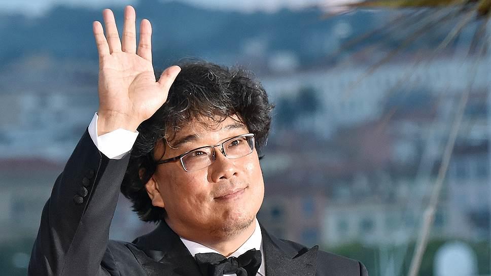Режиссер Пон Чун Хо относится к действительности с трагикомическим сочувствием (во время награждения в Канне)