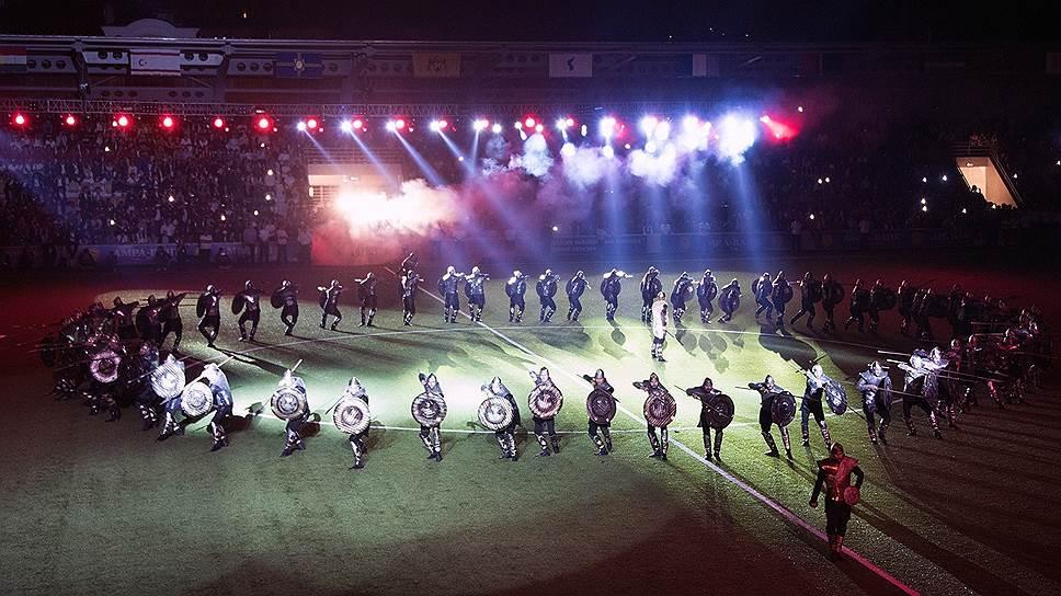 Репетиция открытия второго чемпионата мира среди непризнанных в 2016-м на стадионе «Динамо» в Сухуми — исторический танец