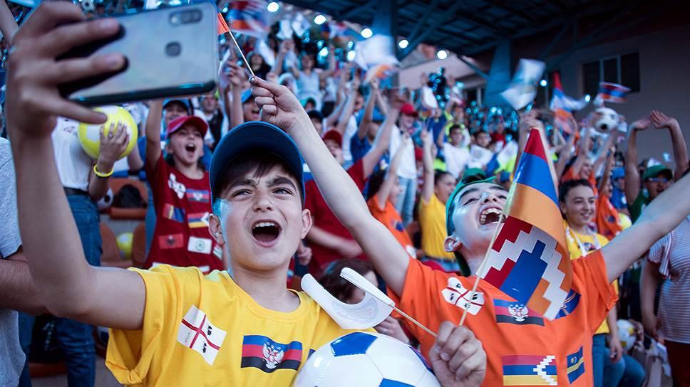 Открытие чемпионата Европы-2019 среди сборных непризнанных государств и регионов в Нагорном Карабахе стало для мальчишек Степанакерта открытием мира