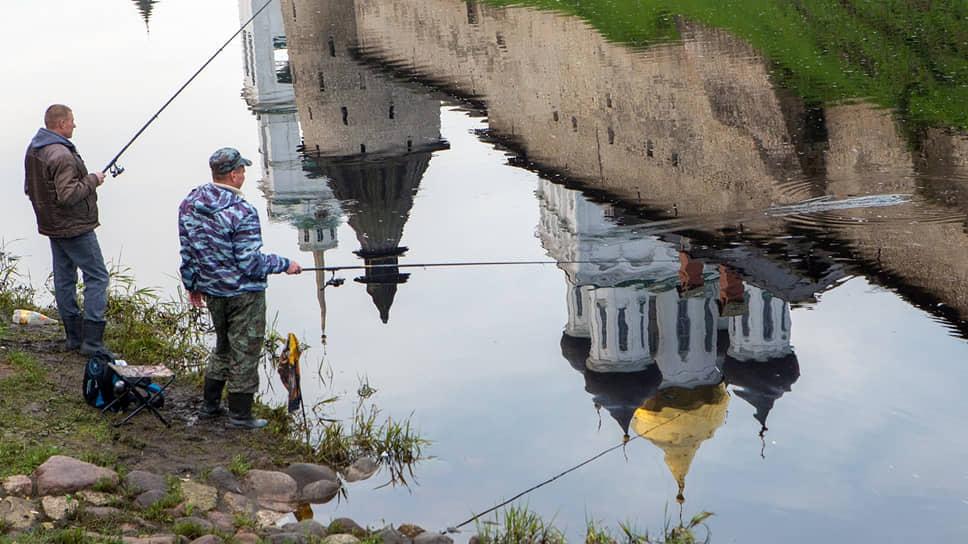 Троицкий собор Псковского кремля признан аварийным. Сколько воды еще утечет, пока он будет приведен в порядок