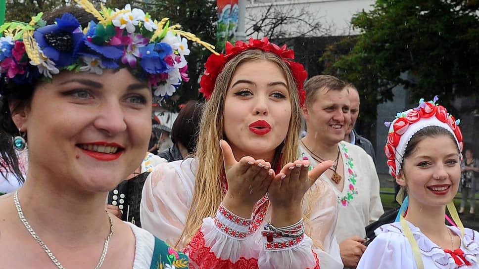 Что ближе Белоруссии — Восток или Запад?