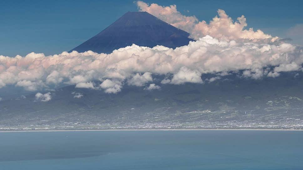 Хэда — живописнейший уголок. В хорошую погоду с обзорной площадки даже гору Фудзи можно наблюдать