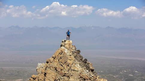 Вертикальный забег // Скоростные альпинисты штурмуют Памир