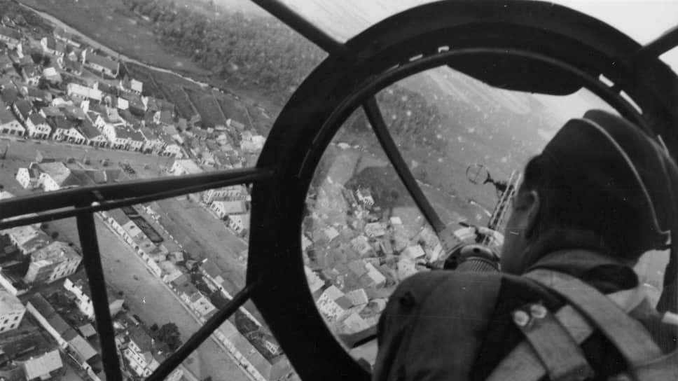 Один из первых воздушных налетов Второй мировой: немецкий бомбардировщик над Гданьском