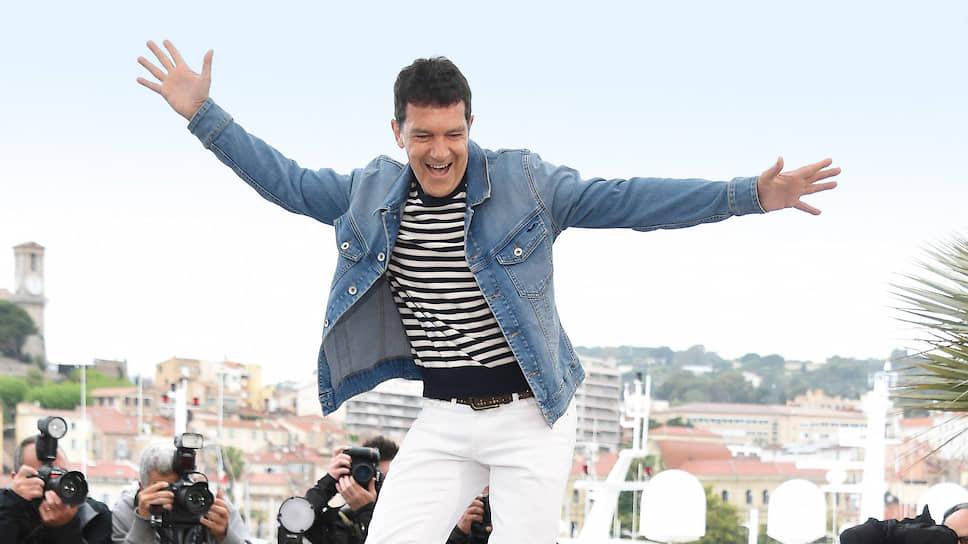 Актер Антонио Бандерас во время фотосессии на Каннском кинофестивале