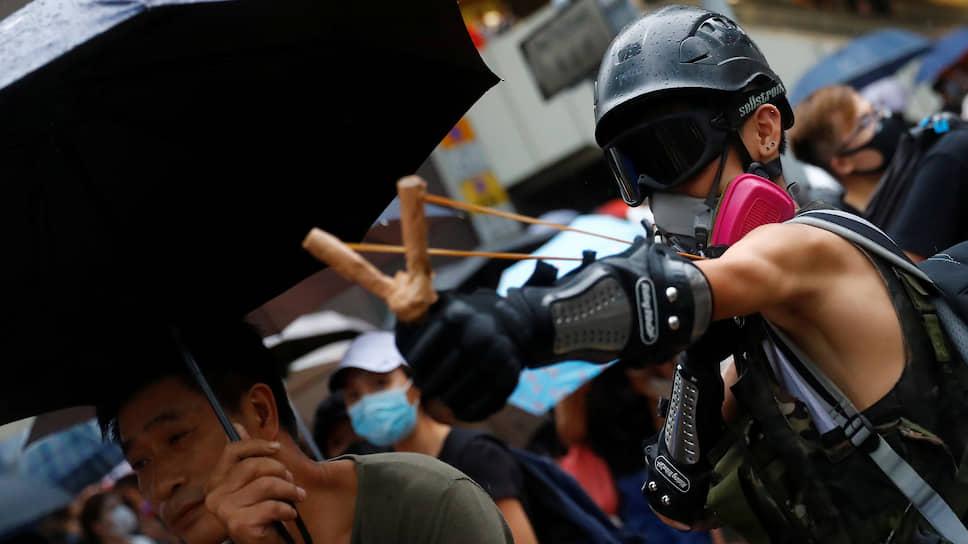 Местное ноу-хау: с радикалами начинает бороться не только полиция, но и «деловая общественность»