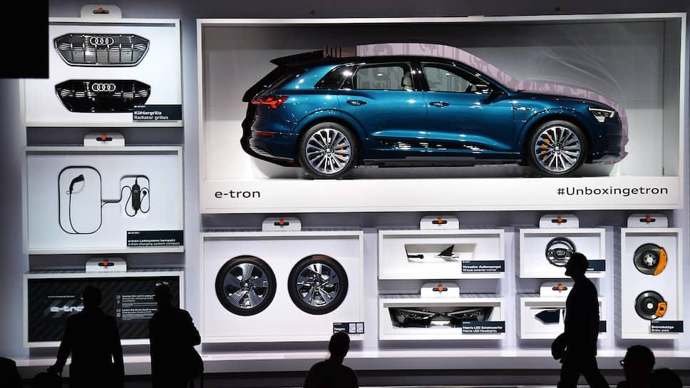 Автомобиль из линии  Audi e-tron, насчитывающей десятки модификаций