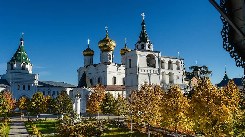 Ипатьевский монастырь, Кострома (XVI–XVII век)