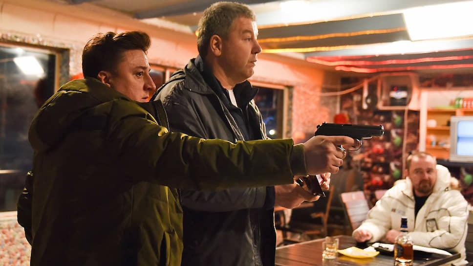 Главных героев «Шторма» можно порицать, но также им можно сочувствовать (Максим Лагашкин и Александр Робак, кадр из сериала «Шторм»)