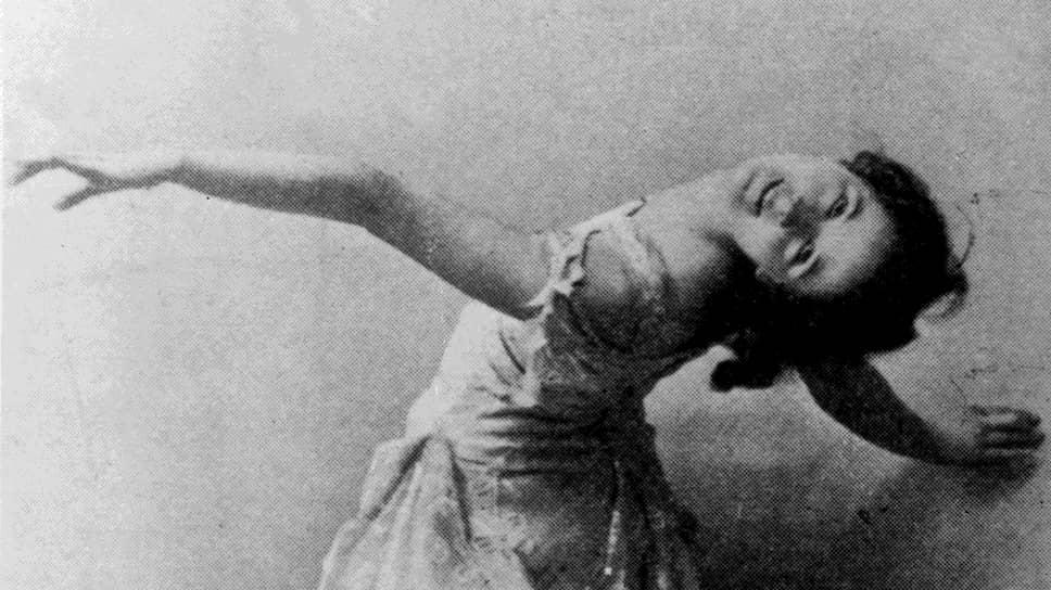 Из эксцентричной «босоножки» Айседора Дункан превратилась в основоположницу свободного танца, а также любимую героиню читателей «Огонька»