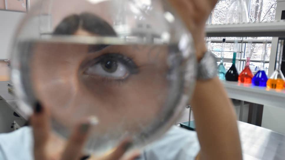 В точных науках женщин и правда меньше, чем мужчин. Споры о причинах продолжаются