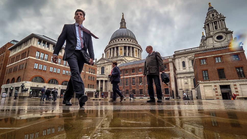 Лондон одинаково манит и богачей со всего мира, и высокооплачиваемых топ-менеджеров, и мигрантов из Восточной Европы и СНГ
