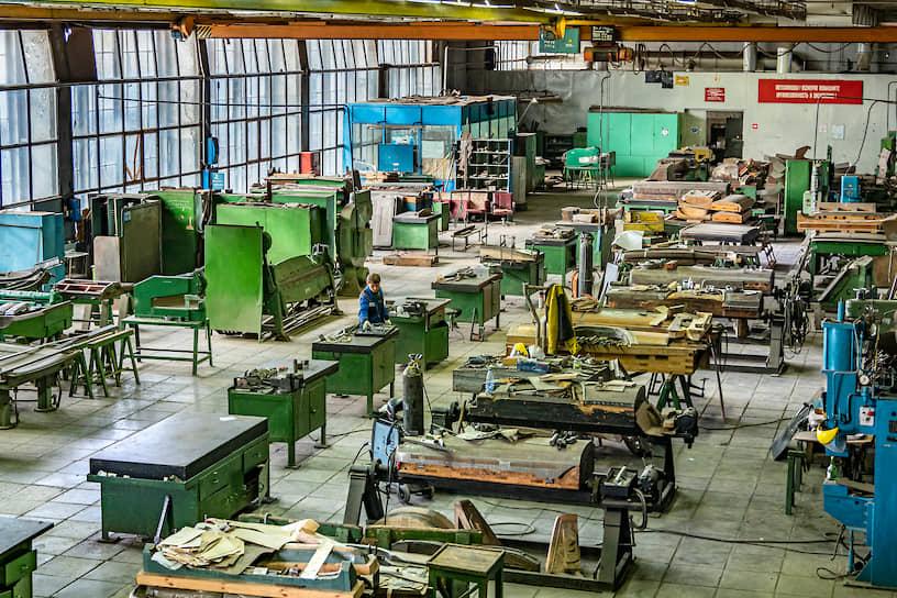 В 2014 году группа граждан, именующих себя «энтузиастами российской автомобильной истории», выкупила убыточное производство, удалось спасти полсотни уникальных специалистов от увольнения, а оборудование — от сдачи на металлолом