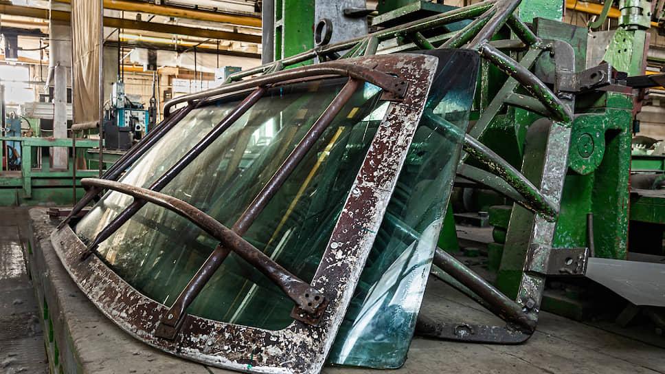 В цеху собирают лимузины из существующих заделов — многое сохранилось еще со времен СССР