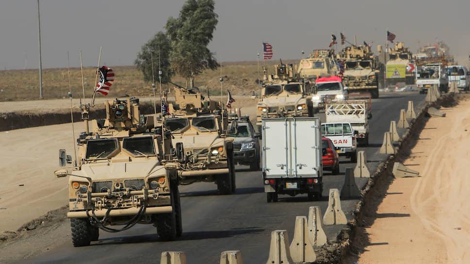 Американский военный конвой покидает позиции на севере Сирии. Брошенные на произвол судьбы курды «прощались» с недавними партнерами эмоционально: камнями и гнилыми помидорами