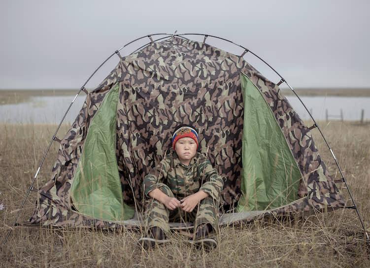 Полевые условия закаляют здоровье и волю. Даже если в палатке холодно, а снаружи ветрено