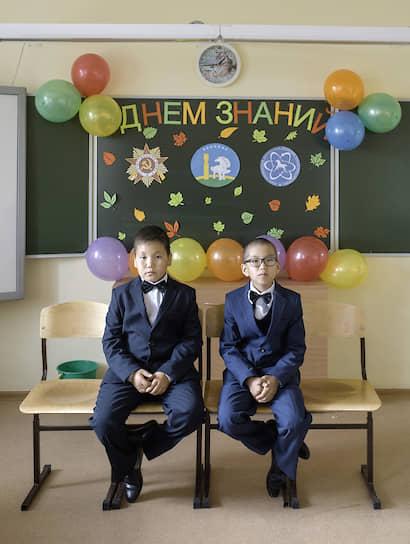 Первый учебный день в гимназии — особенное событие для каждого пятиклассника. Ведь начальной школы здесь нет, и пятиклассники — самые младшие