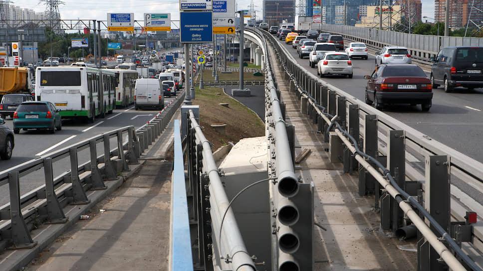 Вечные пробки на выезде из Москвы можно миновать только по «платке»