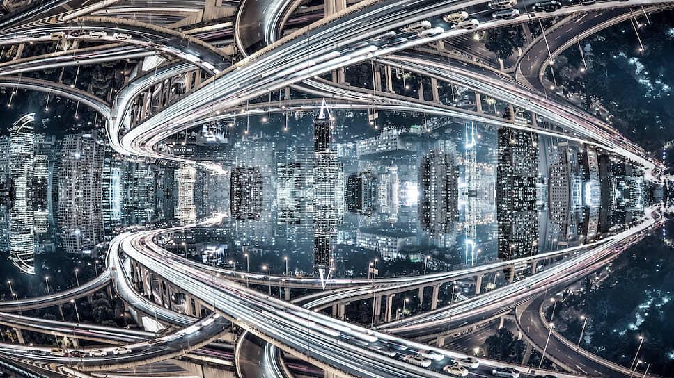 Человеческое воображение рисовало себе мир будущего как мир роботов и умной техники, а главное — самодвижущихся автомобилей, способных летать