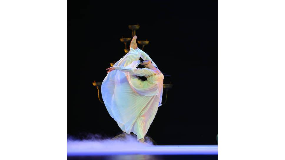 Сцена из танцевальной драмы «Конфуций», режиссер Кун Дэсинь