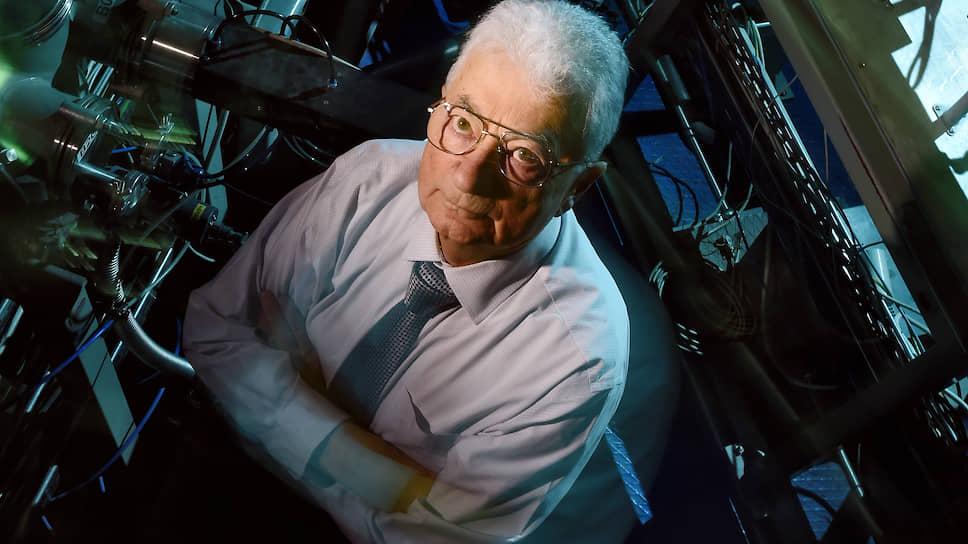 Академик Оганесян — специалист в области экспериментальной физики атомного ядра, синтеза и исследования свойств новых элементов таблицы Менделеева