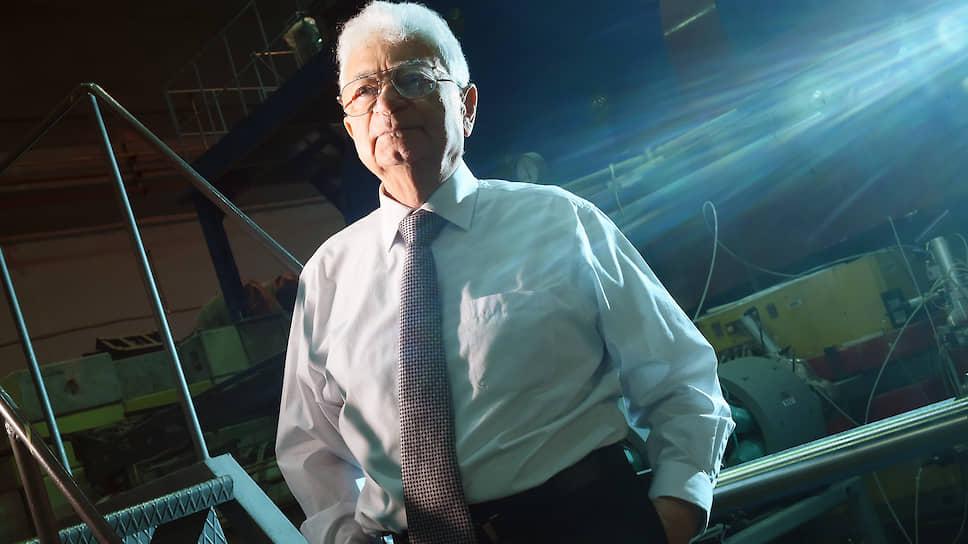 Юрий Оганесян является одним из основателей нового научного направления — физики тяжелых ионов