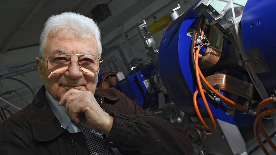 Юрий Оганесян с 1958-го и по сей день работает в Объединенном институте ядерных исследований в Дубне