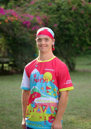 Станислав Богданов покорил 5300 метров — мировой рекорд для человека с синдромом Дауна на горе Килиманджаро