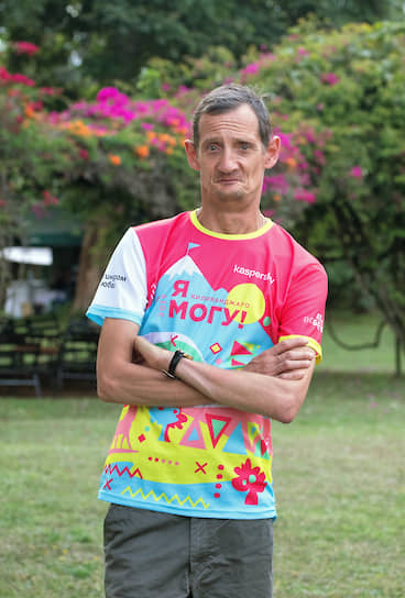 Павел Крысанов, марафонец с диагнозом ДЦП, достиг «серебряной» вершины 5685 метров