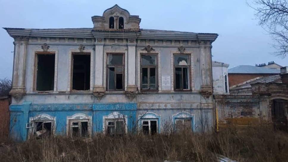 Дом купца Шамсутдинова охраняется государством, но от разрушения это его не спасает