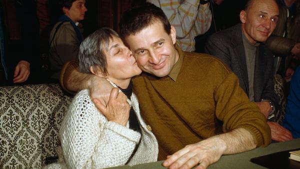Дойна Корня и Мирча Динеску — звезды румынского декабря 1989?го. Через несколько дней после освобождения из-под ареста