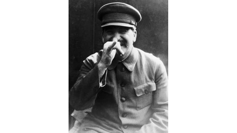 Похоже, Сталин оставил историков с носом — работать им фактически не с чем, кроме тех документов, которые отцензурировал лично он