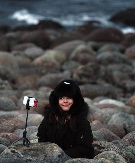 Селфи у Баренцева моря — одна из целей поездки китайцев на русский Север