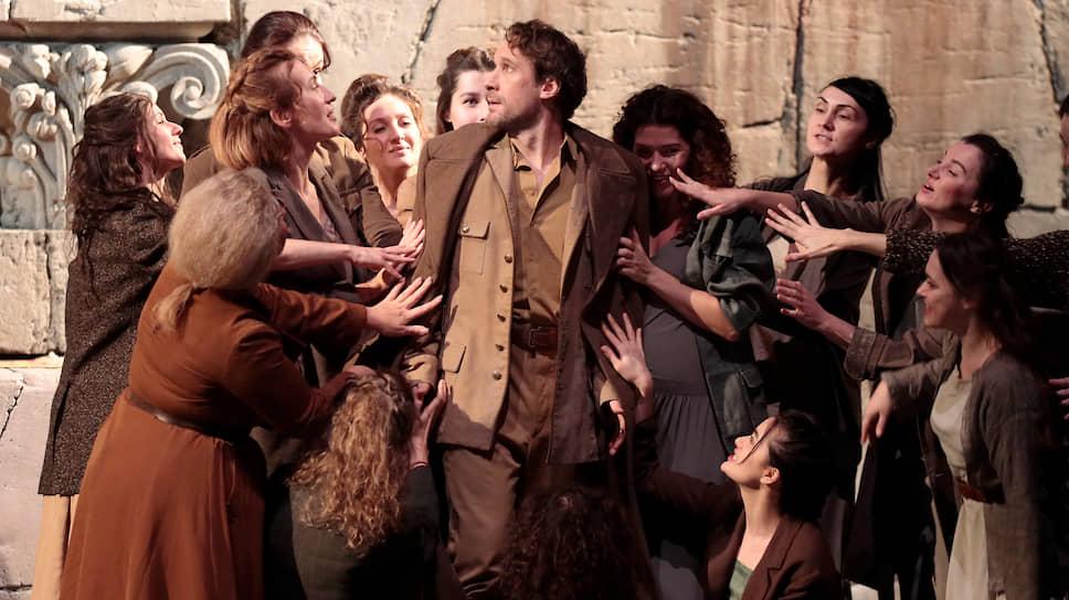«Дидона и Эней» в постановке Венсана Уге — это уже совсем другая, новейшая, история