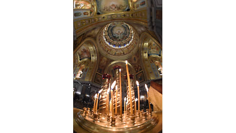 Служба идет  / Главному собору Русской православной церкви —20 лет