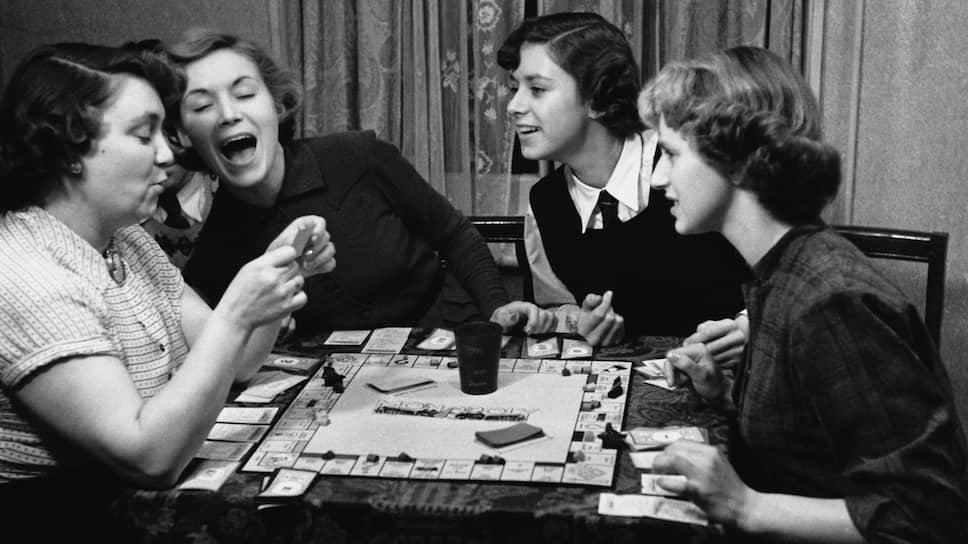 Вот уже много лет «Монополия» не просто практикум капиталистических отношений, но и своего рода «мостик» между поколениями