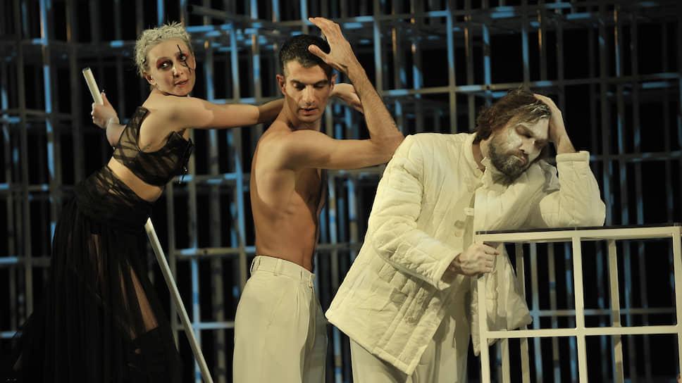 Сцена из «Седьмого подвига Геракла» (Мастерская Петра Фоменко)