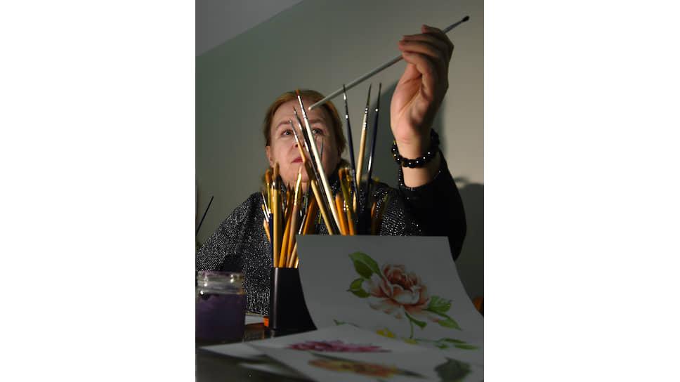 Елена Литвинова на всех работах изображает любимый цветок — в честь Донецка, «города роз», где родилась