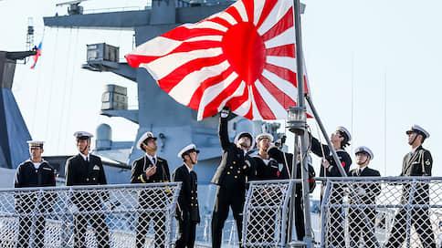 Все невозможное возможно  / Вдали от своих берегов российский и японский военные корабли впервые провели совместные учения