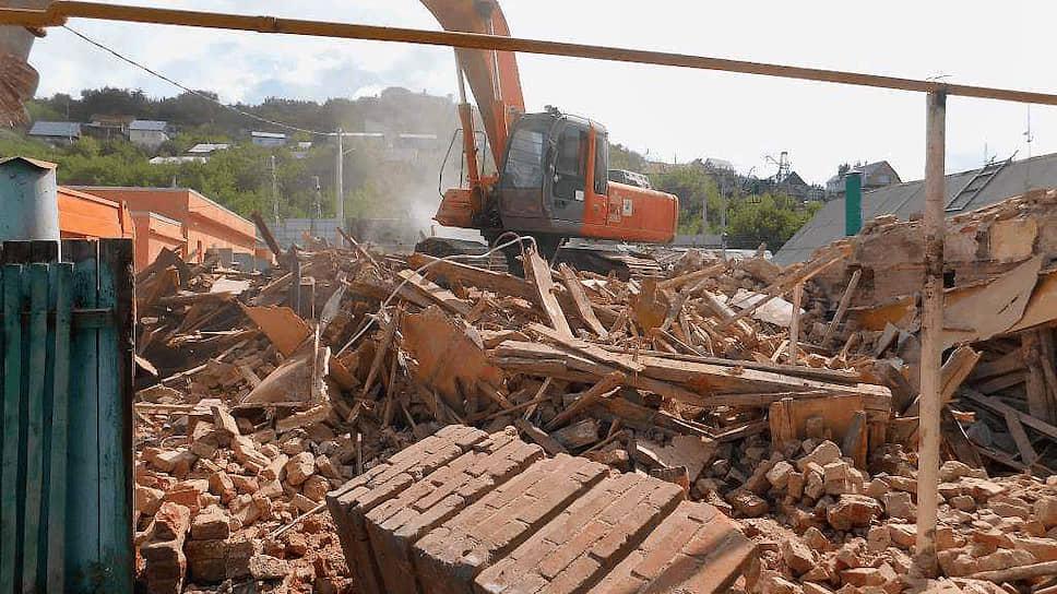 Останки незаконно разрушенного «Дома с мастерской» в Уфе